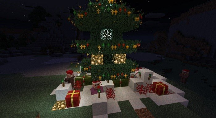 Glimmering lights on Christmas tree in Minecraft